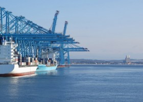 Azjatycki boom na farby okrętowe