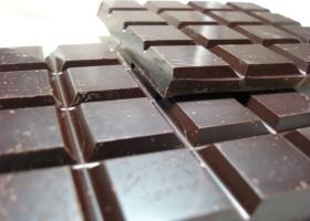 Powłoki antybakteryjne z czekolady i wina