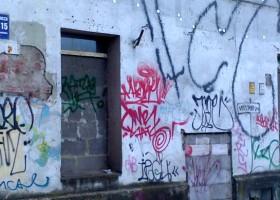 Usuwanie graffiti – jaką metodą?