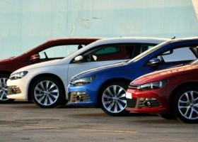 Czerwień i błękit w natarciu – kolory samochodów 2014
