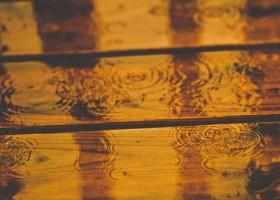 Drewniany taras – pierwsza pomoc