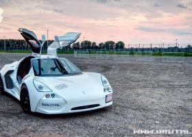 Brutal – auto (jak) wyścigowe z lakierami Spies Hecker