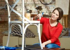 Renowacja i odnawianie starych mebli – tanio i praktycznie