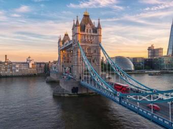 Londyński Tower Bridge znów piękny z farbami Hempel