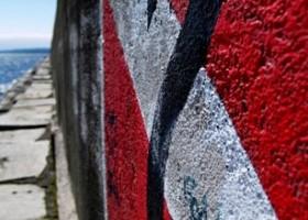 Farby fasadowe z algicydami – nowa formuła