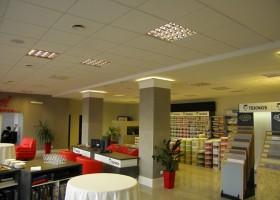 Nowy salon Dompol Olsztyn z farbami Teknos