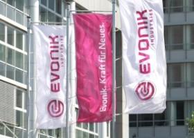 Azelis dystrybutorem środków sieciujących Evonik