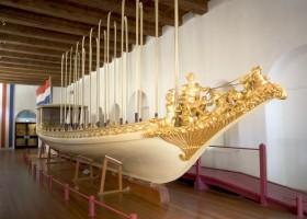 AkzoNobel odnawia Holenderską Barkę Królewską