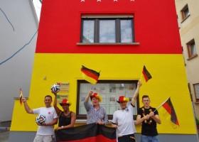 Fasada w barwach Mistrzów Świata