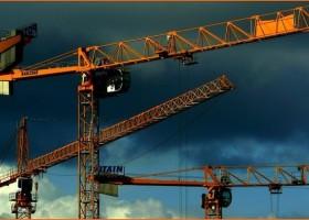 Kryzys na rynku surowców – skutki dla budownictwa