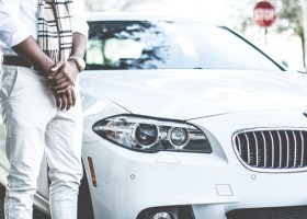 Kolory samochodów przyszłości – czy zrobi się biało?