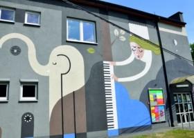 Zwierzyniec i jego symbole na muralu w Krakowie