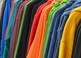 Przewodzące powłoki na tkaniny a odporność na pranie