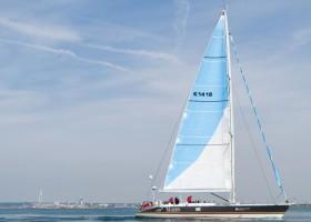 Girl power i historyczna łódź z farbami AkzoNobel