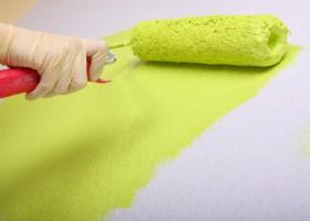 Farba dyspersyjna, lateksowa czy emulsyjna – którą wybrać?