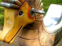 W wielu krajach farbami z ołowiem wciąż jeszcze maluje się np. elementy placów zabaw. Fot. Vyolett (sxc.hu)