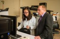 Profesor Marek Urban i jego doktorantka Ying Yang. Fot. Clemson University