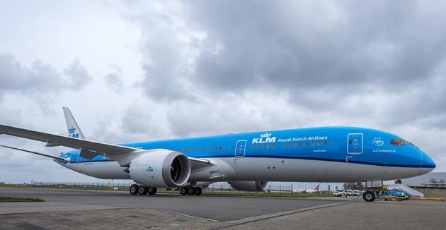 AkzoNobel boeingi KLM