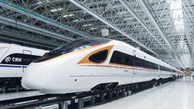 złoty lakier AkzoNobel chińskie pociągi Golden Phoenix