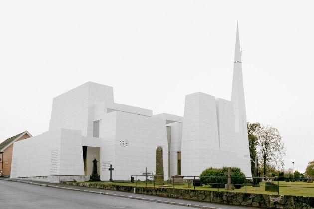 Norwegia kościół pokryty porcelaną