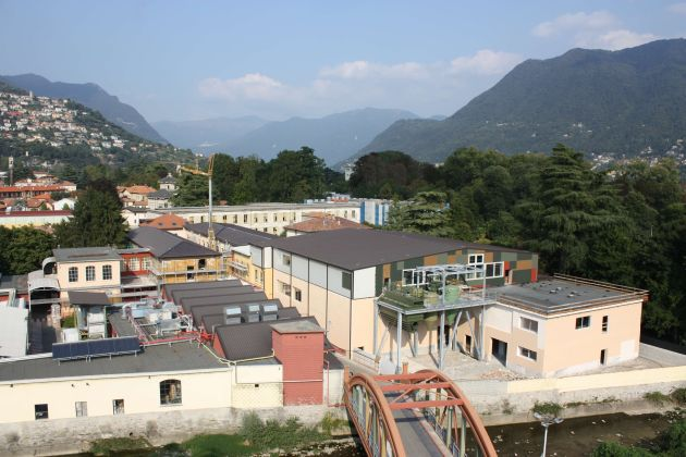AkzoNobel produkcja Włochy Como