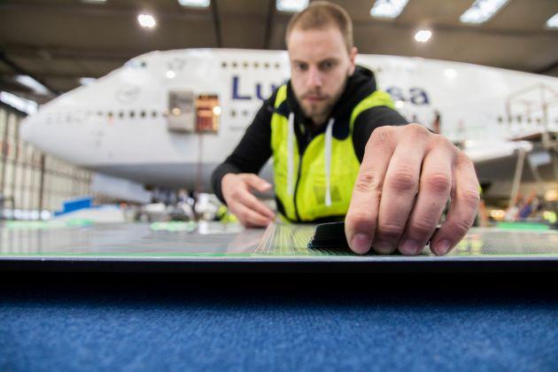 BASF Lufthansa skóra rekina